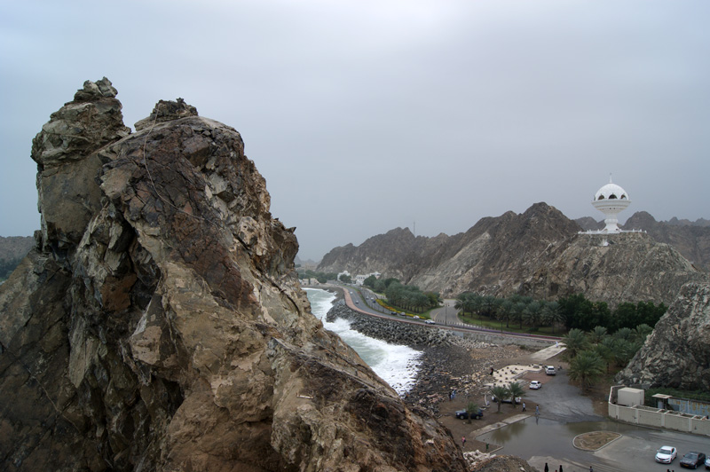 A drab day for a walk from Mutrah to Old Muscat