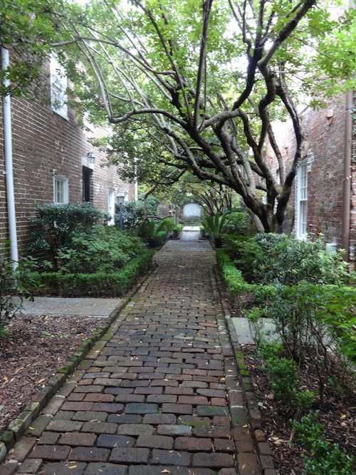 One of the many charming alleys