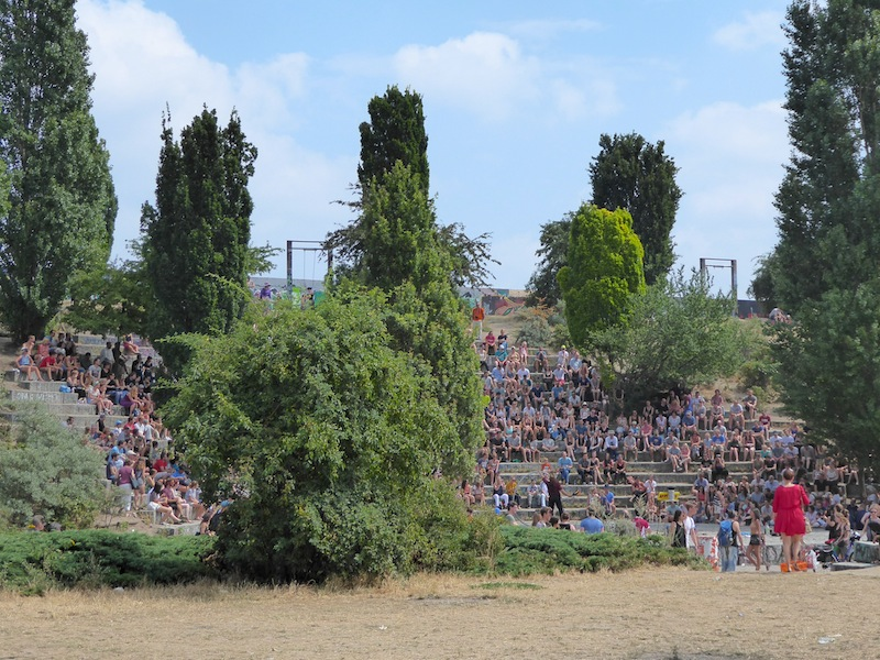 Watching the juggler in Mauerpark